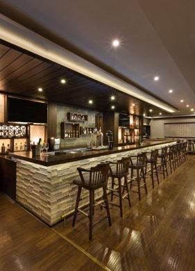 Ridge Bar & Lounge