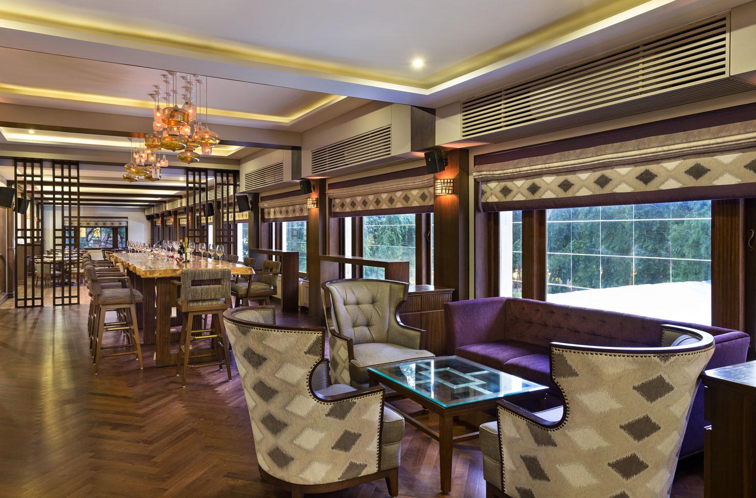 Ridge Bar & Lounge